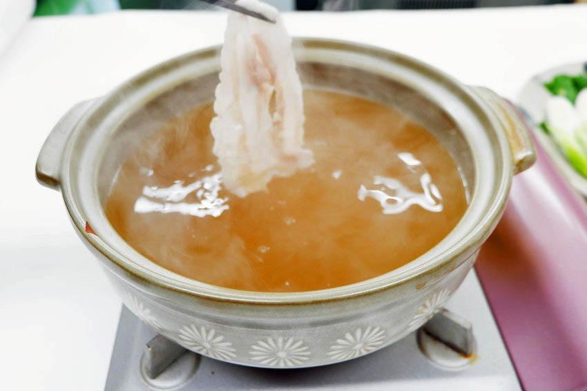 【くんぺるランチ便】うまみエキスたっぷりスープで食べる伊達の純粋赤豚しゃぶしゃぶ!_10