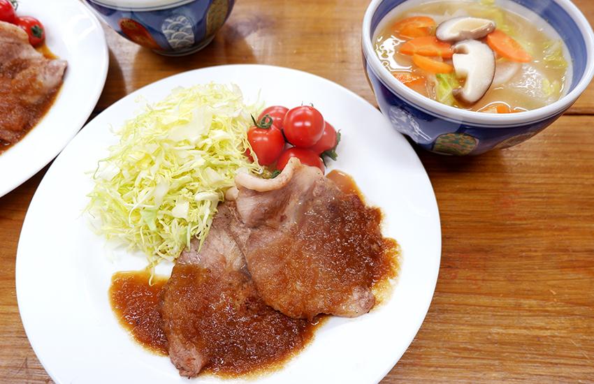 【シェフのこんだて直送便】豚肉の新玉ねぎおろしソースと春野菜の具だくさんみそ汁